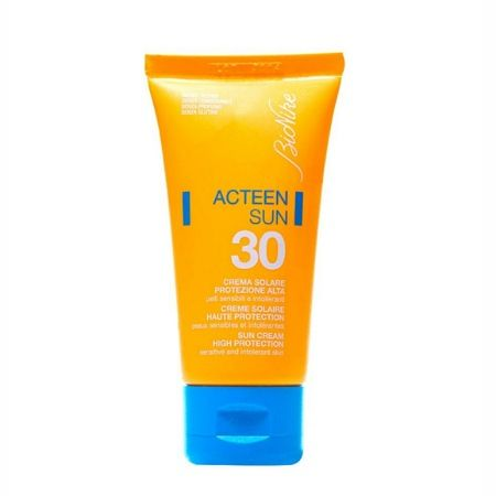 کرم ضد آفتاب بیونیکه مدل Acteen SPF30 حجم 50 میل